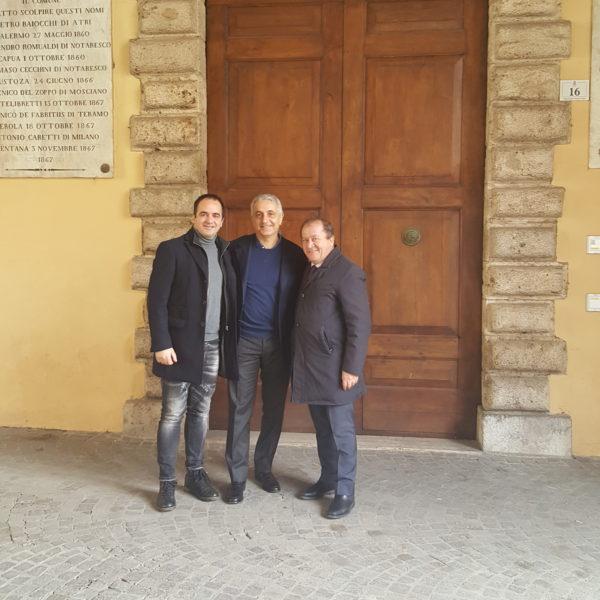 Gaetano Quagliariello con i consiglieri comunali teramani Guido Campana e Angelo Puglia